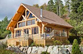 Le Castel, Chalet en bois rond de style scandinave, Baie Saint-Paul, Charlevoix